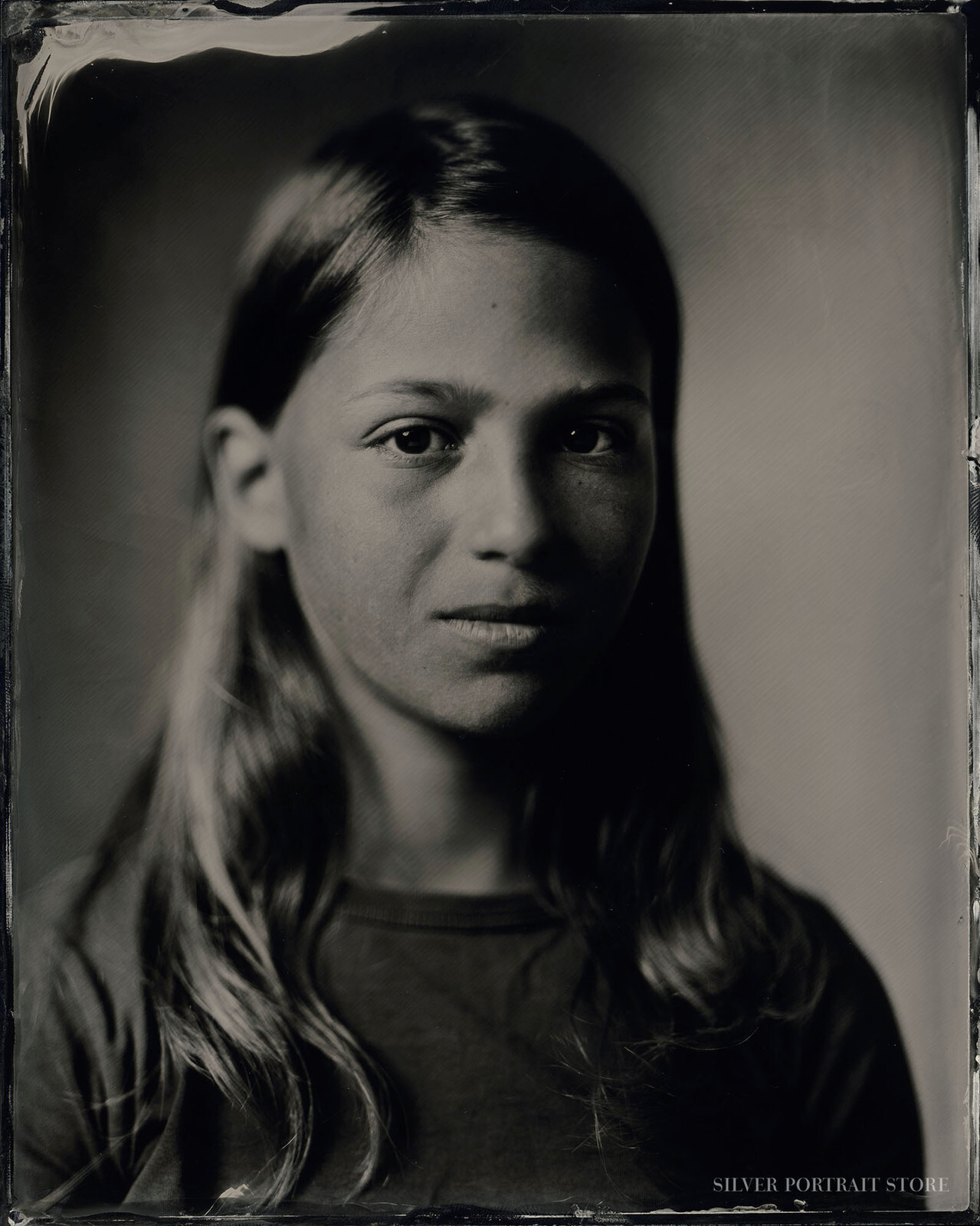 Finn-Silver Portrait Store-Wet plate collodion-Black glass Ambrotype 20 x 25 cm.