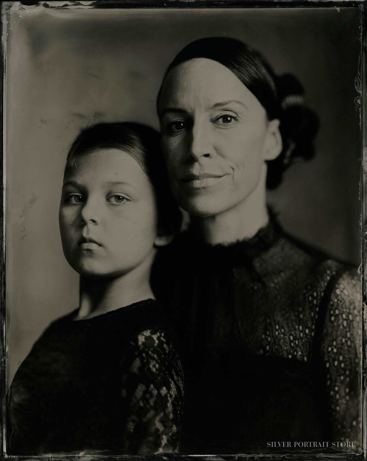 Zahir & Janet-Silver Portrait Store-Wet plate collodion-Black Glas Ambrotype 20 x 25 cm.